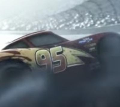 """El adelanto de """"Cars 3"""" muestra un terrible choque de Rayo McQueen"""