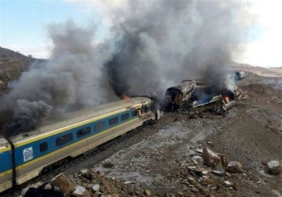 Choque de trenes en Irán deja 44 muertos
