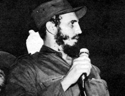 Fidel: atentados y una paloma