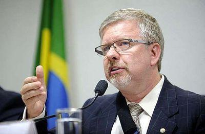 Registran casas de diputado y de exsenador acusados de corrupción en Brasil