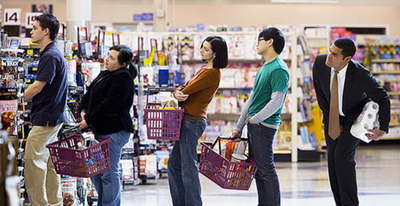¿Te imaginás pasar de largo la fila de la caja del supermercado?