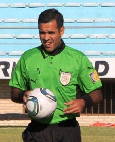 Gustavo Gamarra va a Carapeguá para arbitrar el juego del líder de Intermedia River
