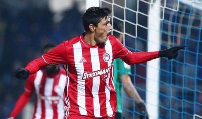 Oscar Cardozo encontró la llave del gol en Grecia