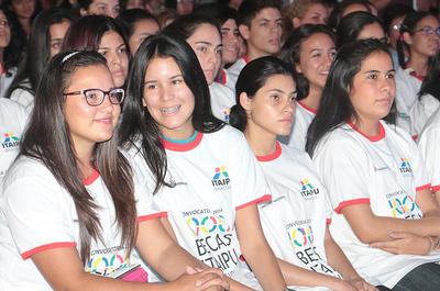 Este lunes inicia periodo de postulación electrónica para becas de la Itaipu