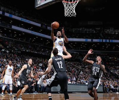 Astro Durant brilla en triunfo de Warriors sobre los Nets
