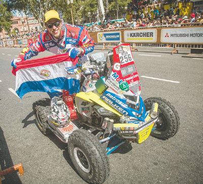 El abanderado paraguayo del Dakar