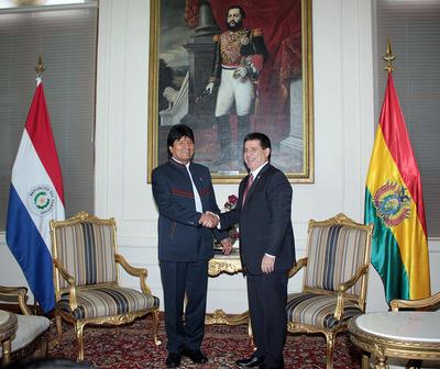 Este domingo Cartes recibirá a su homólogo Evo Morales en Palacio de López