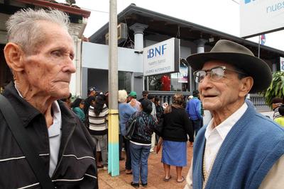 Continúa censo de adultos mayores en departamento Central