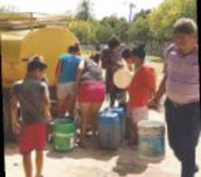 Desesperan por la falta de agua