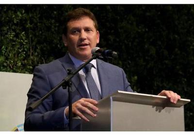 Domínguez es acusado de nepotismo