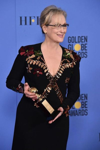 """""""La violencia llama a la violencia"""": el contundente mensaje de Meryl Streep contra Donald Trump en los Globos de Oro"""