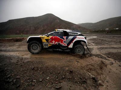 Peterhansel lidera la séptima etapa del Dakar