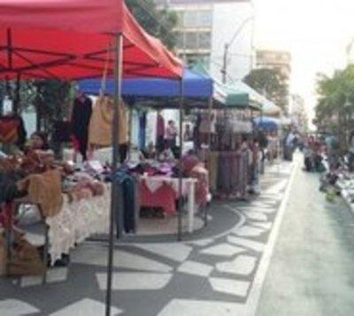 Anuncian intervención a comerciantes irregulares en calle Palma