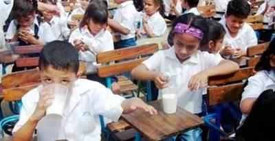Casi 200.00 niños sin leche, Central culpa a Hacienda