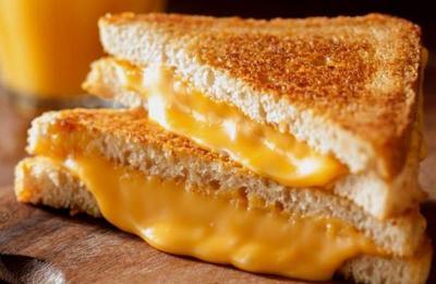 Insólito: Le disparó a su esposa porque se comió parte de su sándwich con queso