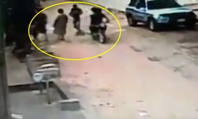 Tres motochorros asaltan a dos ancianas