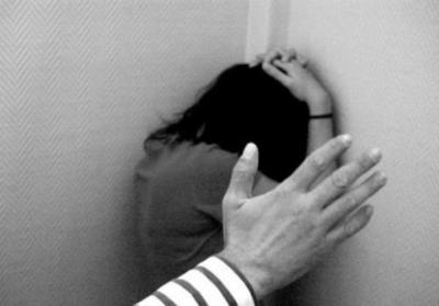 Hombre que filmó cuando torturaba a su mujer está preso