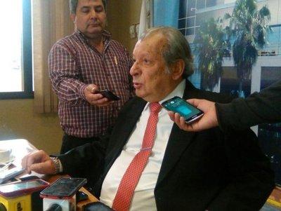 """Recolección de firmas es """"condición de Lugo"""", dice """"Calé"""""""