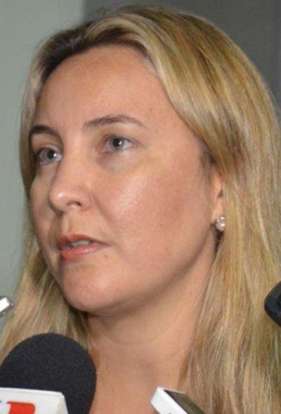 Fiscala indaga denuncia del acoso cibernético