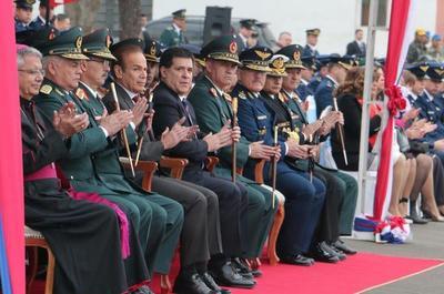 Cartes será reconocido como presidente honorario del Centro Militar Naval y Aeronáutico