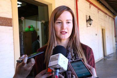 Ministra no desea participar de las discusiones políticas