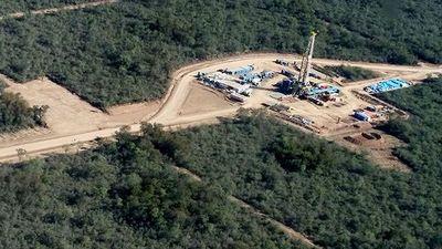 ¿Nos bañaremos alguna vez en el petróleo paraguayo?