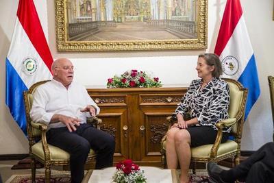 Embajadora de EE UU concluyó misión diplomática en Paraguay