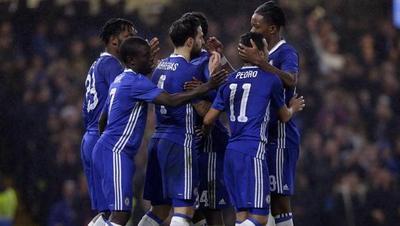Chelsea vence en Leicester con tres goles españoles