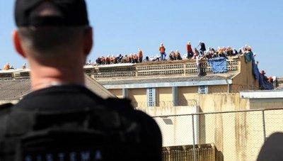 Trasladan a casi 250 presos de cárcel Brasil