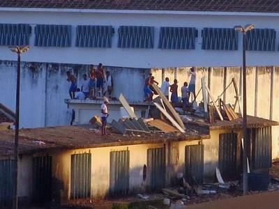 Sigue tensión en cárcel brasileña
