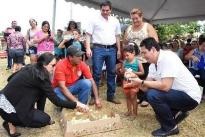 MAG entrega 16.000 aves de corral a familias de Central