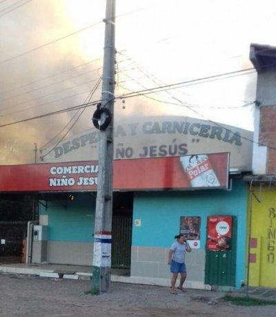 Se incendia un local comercial en Remansito