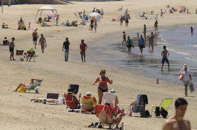 Sepa qué se prohíbe en las playas de Montevideo