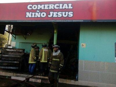 Se incendia comercial a la entrada del Chaco