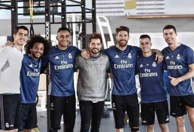David Bisbal visitó a sus amigos Sergio Ramos y Cristiano Ronaldo