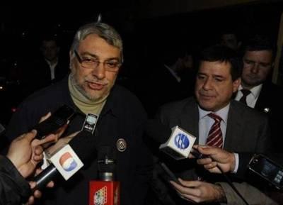 """Con Llano como """"padrino de bodas"""", Lugo y Cartes se ponen de acuerdo y van por la reelección"""