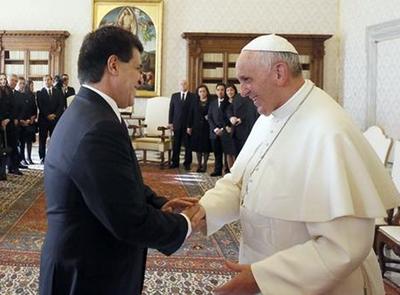 Papa Francisco recibe este viernes al presidente Cartes