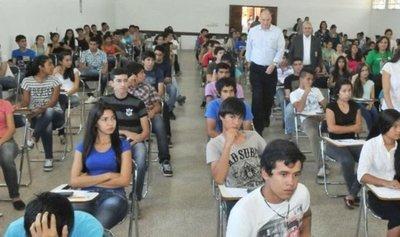 Unos 10.000 jóvenes rinden soñando ser beneficiados con las becas de Itaipú