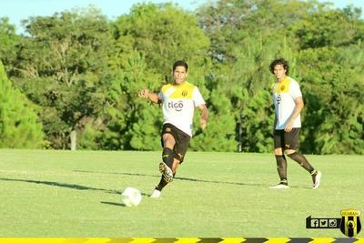 En amistoso, el campeón Guaraní se destaca con su equipo B