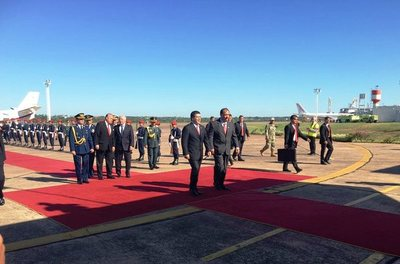 Presidente retorna al país tras gira por Emiratos Árabes, Suiza e Italia