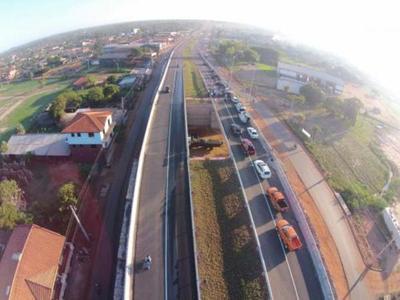 MOPC habilita viaductos en ruta Roque Alonso-Limpio