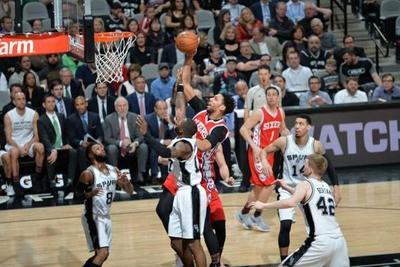 Popovich logra récord con los Spurs y Hawks pican a Rockets