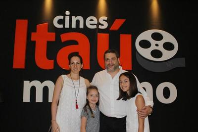 Inauguran modernas Salas de Cine Itaú
