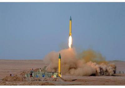 Irán desafía a EEUU con nuevas maniobras militares