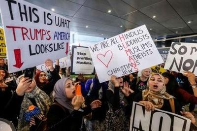Trump redobla su ataque contra el juez por prohibición de viajes