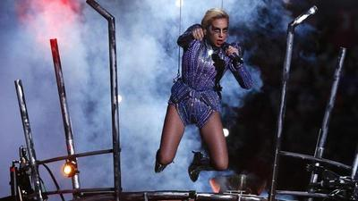 Lady Gaga (y su desliz) en el show más caro de la historia de la Super Bowl
