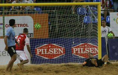 Fútbol de Playa: Paraguay ganó con goleada ante Uruguay 7-1