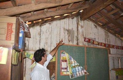 Hay escuelas en riesgo de derrumbe que no figuran en la lista del MEC