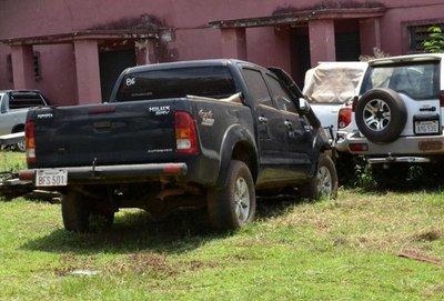 Roban partes de vehículo confiscado de narcos