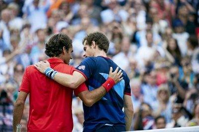 Murray y Federer, en partido de exhibición en Glasgow